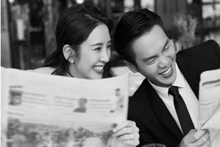 张若昀唐艺昕晒结婚婚纱照,两人笑得非常的幸福