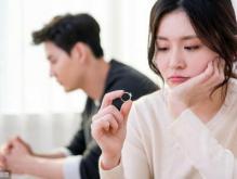 情感咨询:老公和一个卖保险的女人暧昧还闹到了派出所