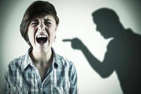 男友打人能原谅吗