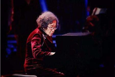 钢琴家巫漪丽是谁?一生与琴相伴去世亦于琴台之上