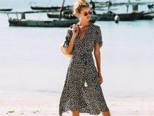 精致女孩喜欢夏季穿裙子有哪些注意要点 裙摆长度和领口选择增魅力